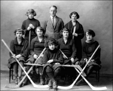 Acadia University Women's Hockey Team Photo 1924
